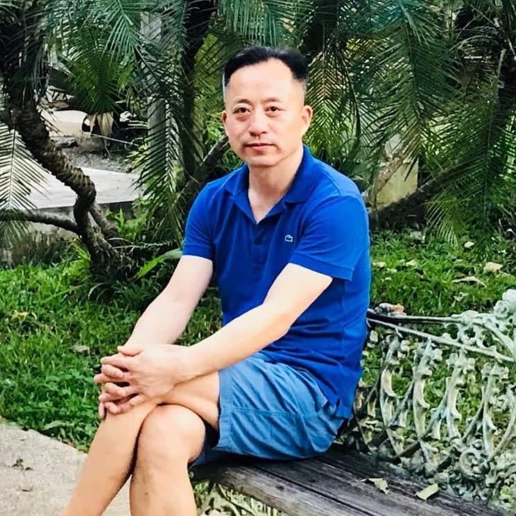 Yujun Chen